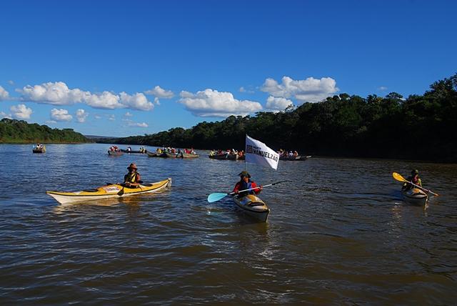 15 Barra do Guaicuí_Barqueada em direção a foz do Velhas