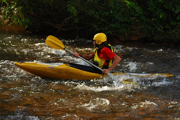 2 Rafael navega o trecho do Rio das Velhas ate a ponte em Sao Bartolomeu